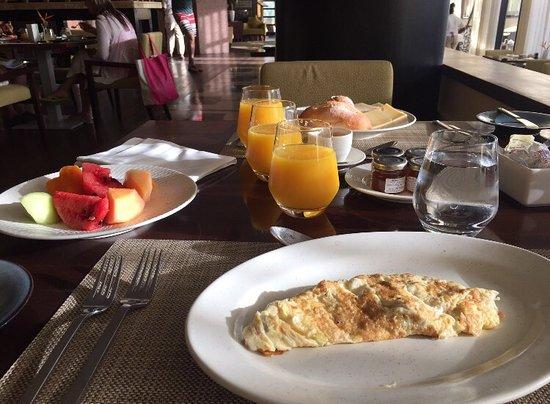 Anse Takamaka, Seychelles: Petit déjeuner
