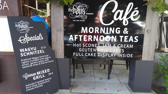 Hahndorf, ออสเตรเลีย: Promotion sign board at entrance