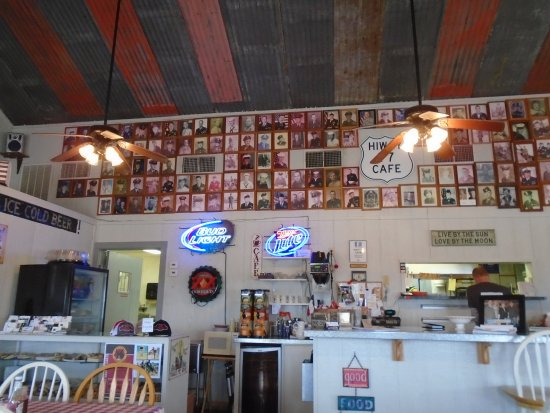 Rosebud, TX: Hiway 77 Cafe Honoring Veterans