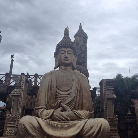 Isdaan Village : Buddha 1