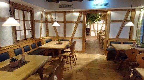 bad7859eaea513 Restaurant Kochmütze (Möbel Höffner)
