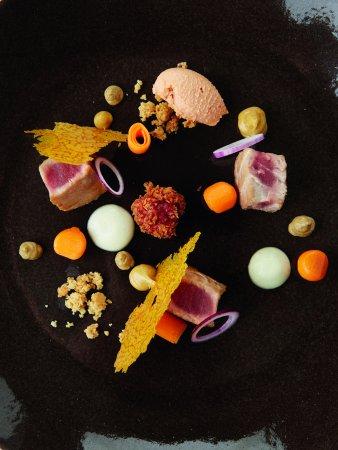 Lokeren, Bélgica: Kortgebakken tonijn / butternut / miso