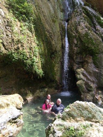Mele Cascades: photo4.jpg