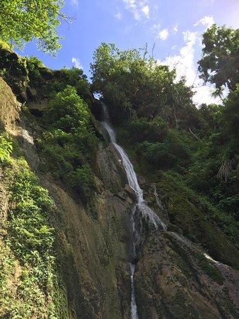 Mele Cascades: photo5.jpg