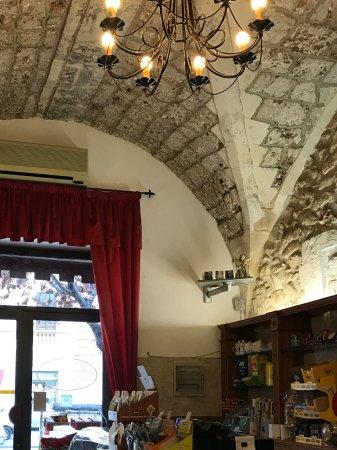 Caffe' del Teatro: Cozy coffe shop