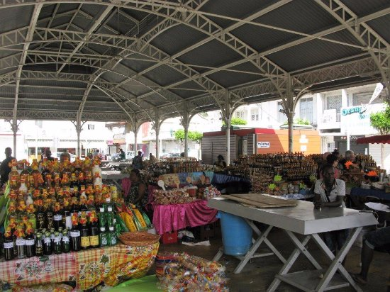 Pointe-a-Pitre, Guadeloupe: All'ombra per ripararsi dal sole