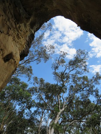 Blackheath, Australia: Caves are not Big !