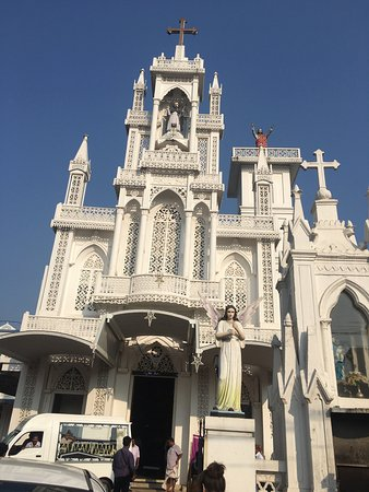 Kottayam, India: This cathedral is beautiful