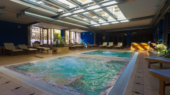 Regnum bansko apart hotel spa bulgarien omd men och for Appart hotel jacuzzi