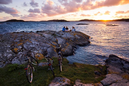 West Sweden, Suecia: Cycling along the Bohuslän coast. Photo By: Henrik Trygg