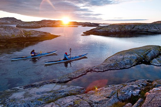 West Sweden, Sweden: Kayaking along the Bohuslän coast. Photo By: Henrik Trygg