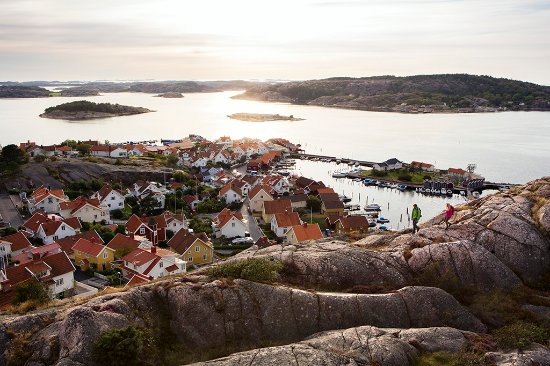 West Sweden, Sweden: Hiking in Fjällbacka on the Bohuslän coast. Photo By: Roger Borgelid