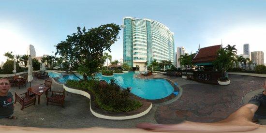 Hotel Windsor Suites & Convention Bangkok Photo