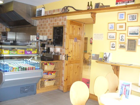 County Leitrim, ไอร์แลนด์: Dolmen Cafe offering a range of hot and cold food and beverages throughout the week