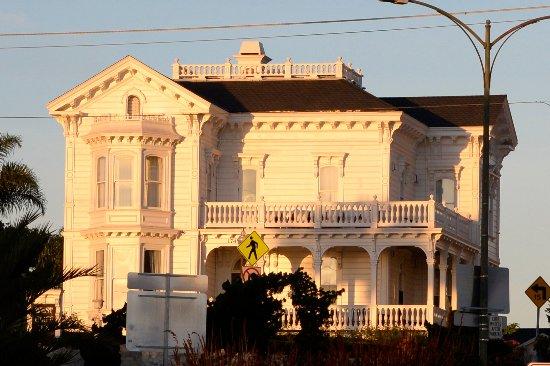 West Cliff Inn, a Four Sisters Inn : West Cliff Inn