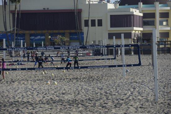 West Cliff Inn, a Four Sisters Inn : Santa Cruze beach volleyball
