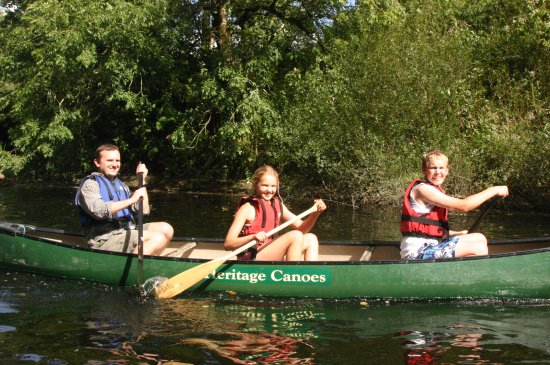 Heritage Canoes: Canoe trip along the Teifi gorge