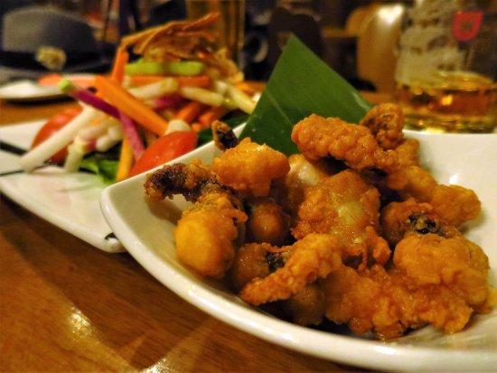 Beer Station Yebisu Garden Place: タコの唐揚げ&サラダ / Deep-fried octopus with Salad