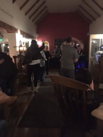 Hunston, UK: Willi Austin and great food what more could you ask for!!