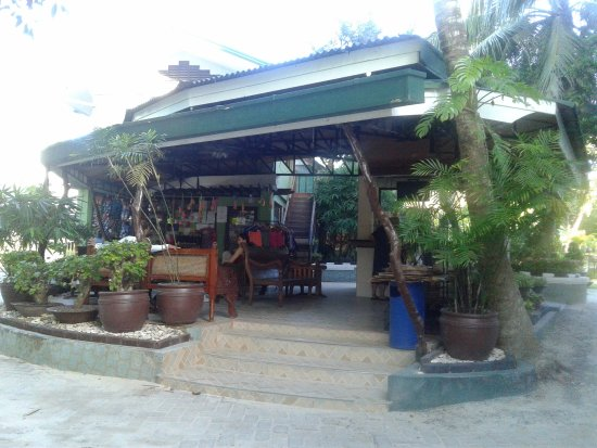 Dumaluan Beach Resort 2: Souvenir Shop