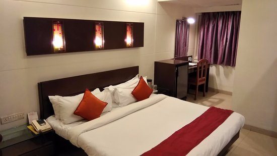 Hotel Surya Photo