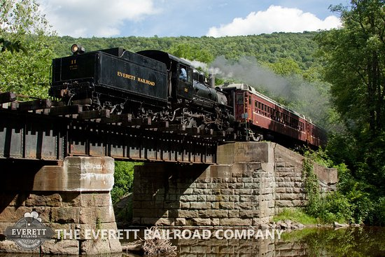 Hollidaysburg, Pensilvania: Enjoy a scenic ride on the Everett Railroad!  Tickets at everettrailroad.com/ride.