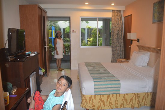 Kuta Station Hotel: Double bedded room