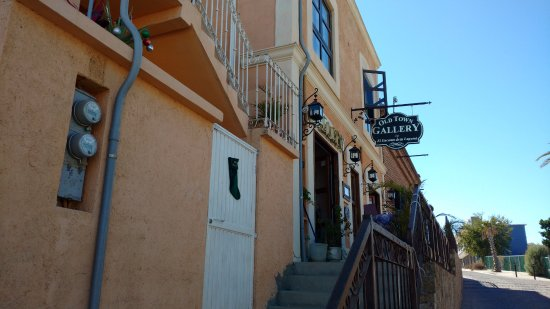 Old Town Gallery by El Encanto: Clmb the steps to enter the gallery
