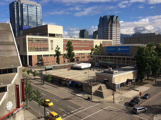 Ramada Hotel Vancouver City Centre