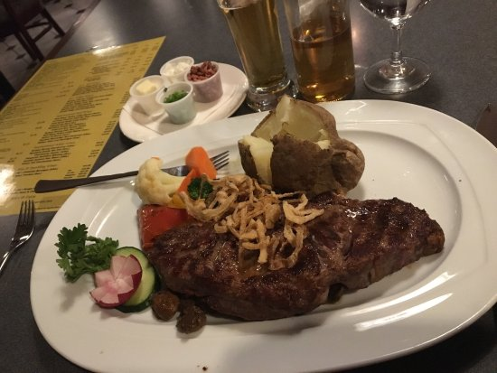 Terrace, Canada: Bavarian Inn Steak & Seafood Grill