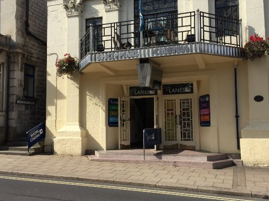 Malton, UK: Front entrance to the shops from Yorksersgate