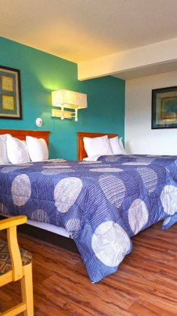 Americas Best Value Inn-Greeley/Evans: Tow Double Beds