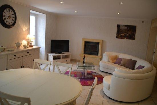 Lalinde, Frankreich: Livingroom gite Rosette