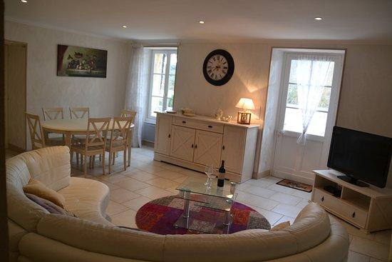Lalinde, Frankrig: Livingroom gite Rosette