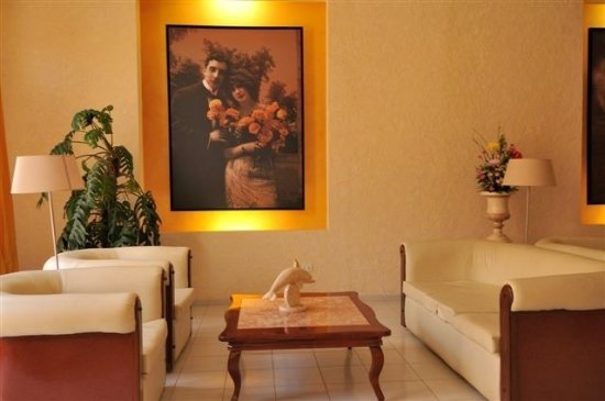 Hotel La Ronda Photo