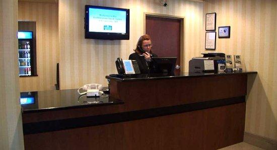 Evansville, WI: Front Desk