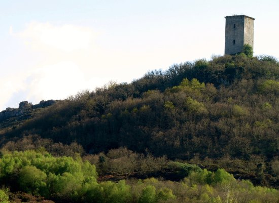 Xinzo de Limia, Ισπανία: Torre de Pena en primavera