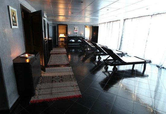 Foto de bab al bahar hotel et spa ad dakhla salle de for Salle de relaxation