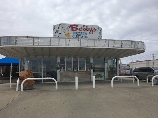Maryville, IL : Bobby's Frozen Custard INC