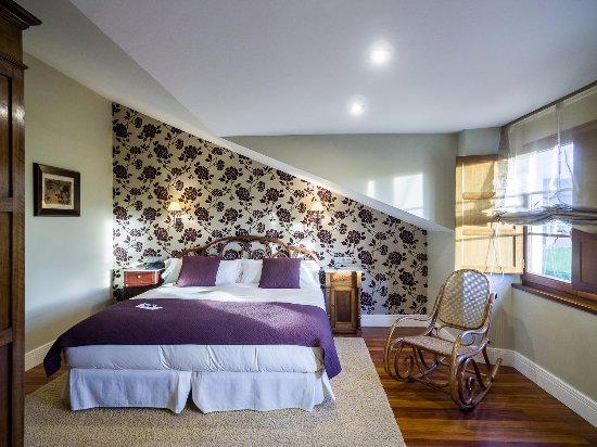 Hotel casa de castro ahora 76 antes 8 5 for Precio habitacion matrimonio completa