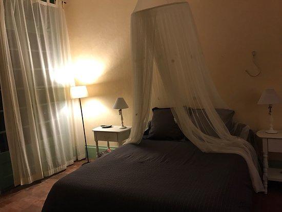 Cintegabelle, Frankrike: Très belle bâtisse, un accueil irréprochable et une cuisine excellente. Chambre confortable et d