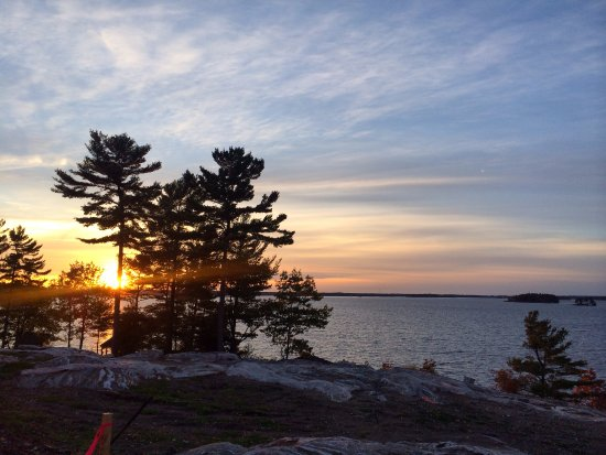 Taboo Muskoka Resort: Location of the old hotel (with gorgeous sunset)