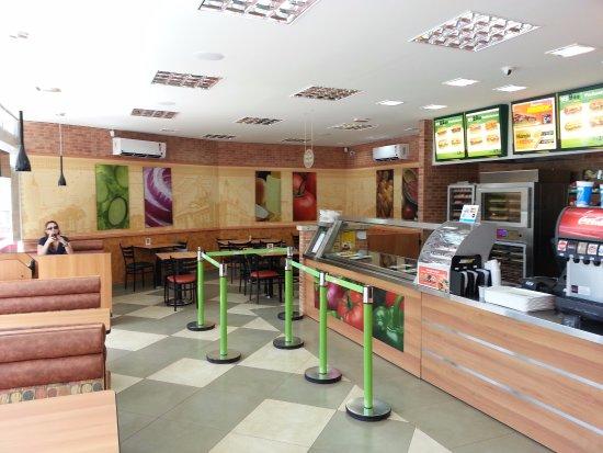 Sarandi, PR: Interior do Restaurante
