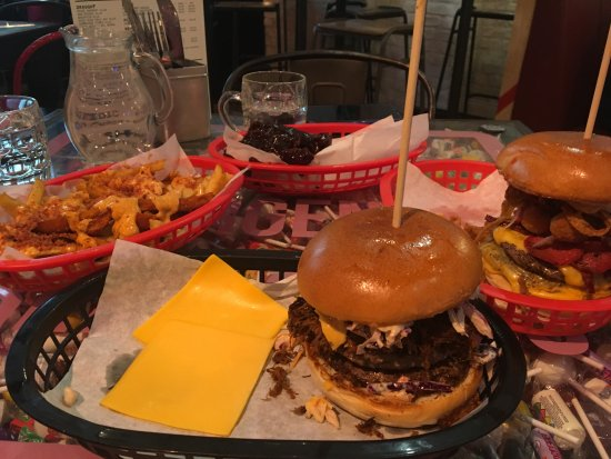 Almost Famous Liverpool: Triple Nom, Filthiest Show In Town, Bacon Bacon Fries, BBQ Blasts