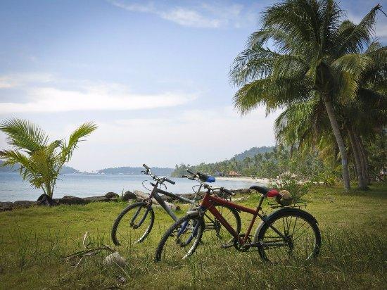Aunchaleena Beach Front Resort: Велики для перемещения по территории дают бесплатно