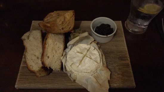 Brandon, UK: Baked Camembert starter and Liver, Bacon and onions main - both absolutely delicious!