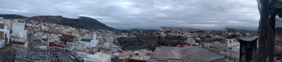 Dar KamalChaoui : Panoramic view from the roof deck in the morning.