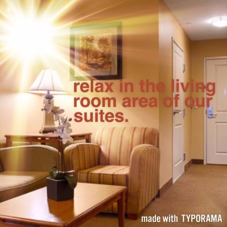 Best Western Plus University Park Inn & Suites : Living room area of our suites include pull out sofa
