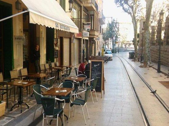 Una Terraza Con Mucho Encanto Picture Of Bar Sa Butigueta