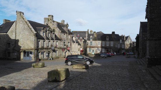 Locronan, Francja: Quelle tristesse, ce village en février ne mérite pas que l'on y aille